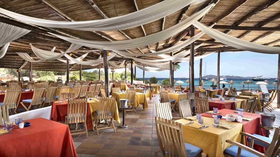 lux67re-204809-Barbeque Restaura.jpg