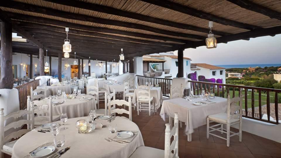 romazzino Restaurant (1).jpg