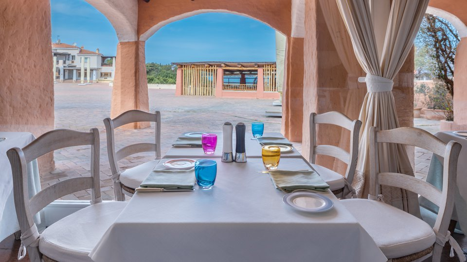 sheOLBSIre-281767-Cervo Restaurant-.jpg